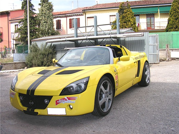 Opel Speedster 2200 16v (210HP – 7000 rpm)